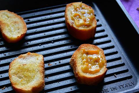 Bruschette-grigliate-all-arancia-1